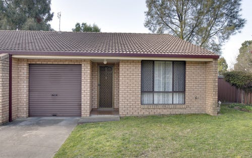 2/11 Warrigal Pl, Orange NSW 2800