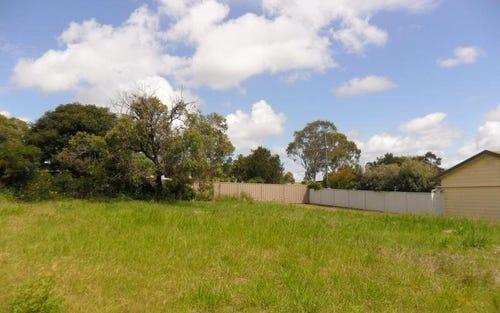 8 Kamarooka St, Coomba Park NSW 2428