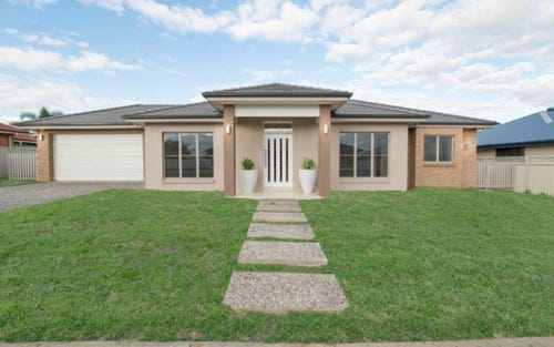 6 Maralinga Cresent, Tamworth NSW 2340