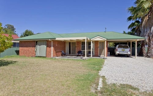 78 Townsend Street, Howlong NSW 2643