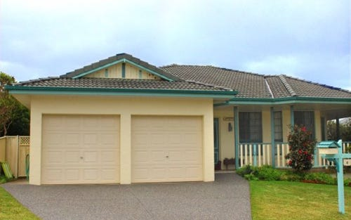6 Seabreeze Parade, Hallidays Point NSW 2430