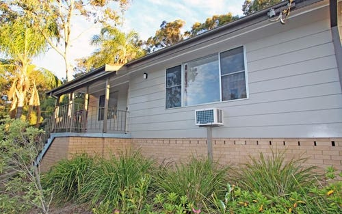 8 Lochend Place, Bolton Point NSW 2283