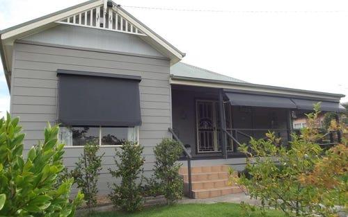 181 Capper Street, Tumut NSW 2720