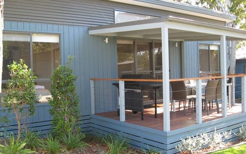 Cabin 6 Sixth Ave, 8 Hearnes Lake Road, Woolgoolga NSW 2456