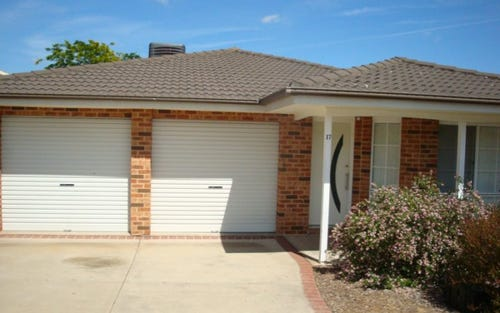 17 Thomas Royal Gardens, Queanbeyan ACT