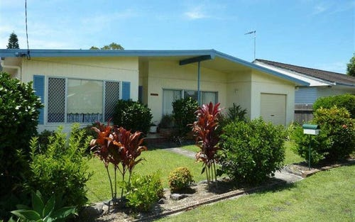 75 Lake St, Forster NSW
