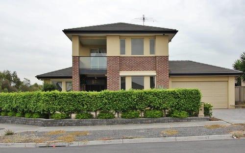 6 Glenbrook Av, Cairnlea VIC 3023