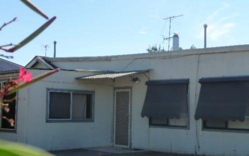 10 WELTON STREET, Holbrook NSW 2644