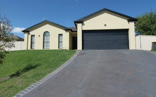 5 Hurley Close, Bathurst NSW 2795