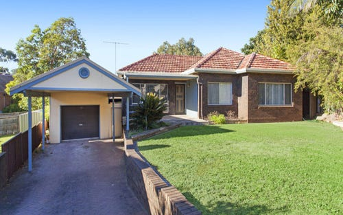 10 Phyllis Avenue, Picnic Point NSW 2213