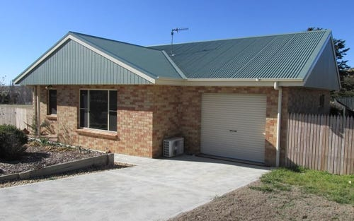 16 East Camp Drive, Cooma NSW 2630