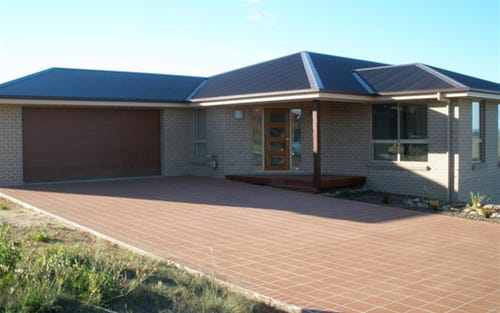 1 East Camp Dr, Cooma NSW