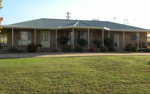 68 Wickham Lane, Young NSW 2594