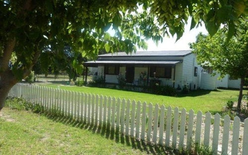 84 Court Street, Boorowa NSW 2586