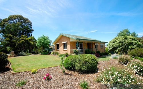 2 Curtis Place, Kambah ACT 2902