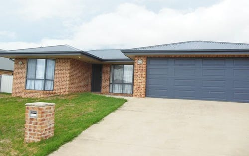 2 Gold Court, Young NSW 2594