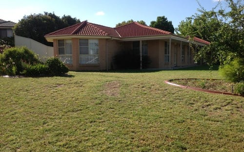 2 Hassall Gr, Kelso NSW