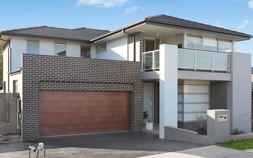 13 Dunell St, Middleton Grange NSW 2171