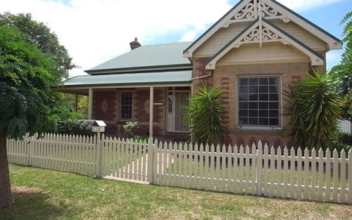 8 Mitchell Street, Muswellbrook NSW 2333