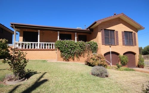 2 McCoullough Drive, Tolland NSW 2650