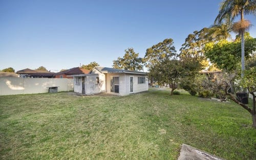 42 Clarendon Road, Peakhurst NSW 2210