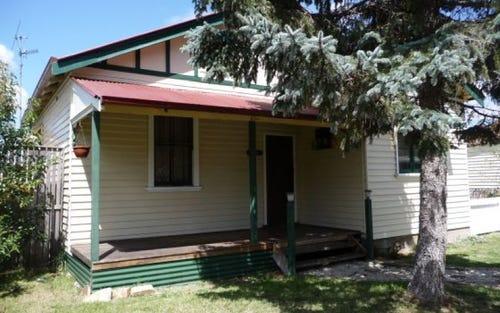 33 Meade Street, Glen Innes NSW 2370