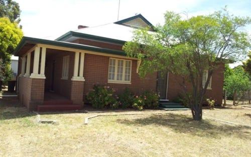 10 Mingelo Street, Peak Hill NSW 2869