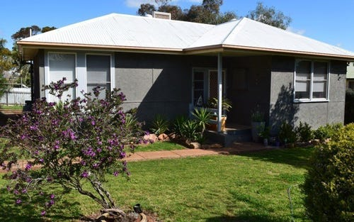 3 Gallop Avenue, Parkes NSW 2870