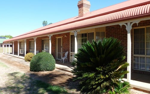 69 Federation Avenue, Corowa NSW 2646