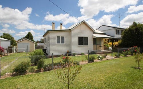 33 Railway Street, Tenterfield NSW 2372