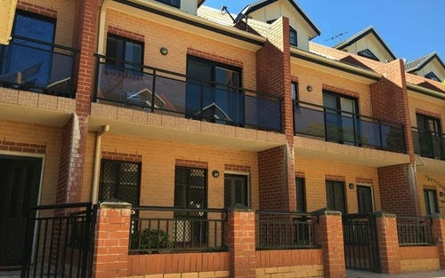 11/335 Blaxcell Street, Granville NSW