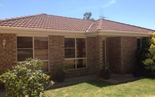 54 Best Street, Parkes NSW 2870