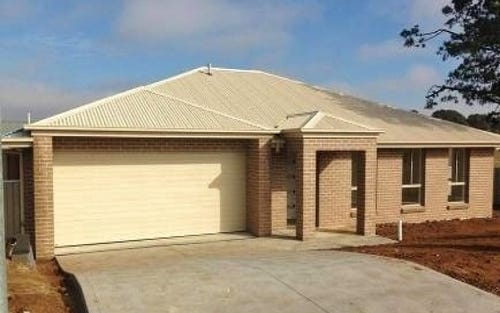 74 Ashworth Drive, Bathurst NSW