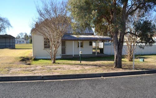 7 McIIveen, Woodstock NSW 2360