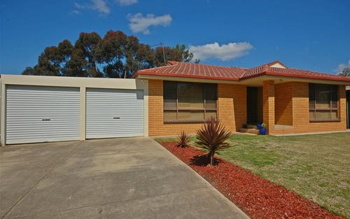 70 Huthwaite Street, Mount Austin NSW 2650
