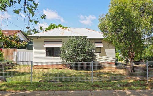 16 Castlereagh Avenue, Mount Austin NSW 2650