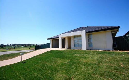 1 Protea Place, Forest Hill NSW 2651