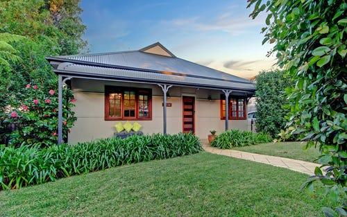 10 Milburn Rd, Gymea NSW 2227