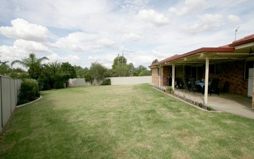 6 Yeomans Place, Kooringal NSW 2650
