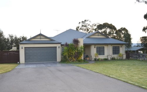 39 Llanrian Drive, Singleton NSW 2330