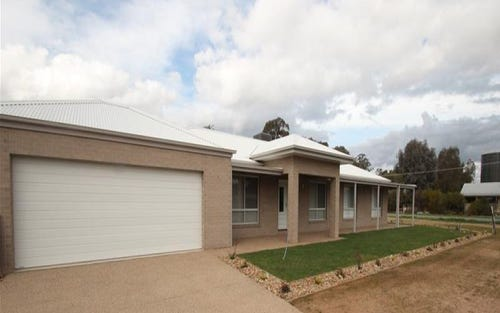 30 Anthony Avenue, Tocumwal NSW 2714