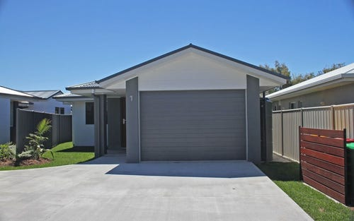 1/5 Bessy Close, Yamba NSW 2464