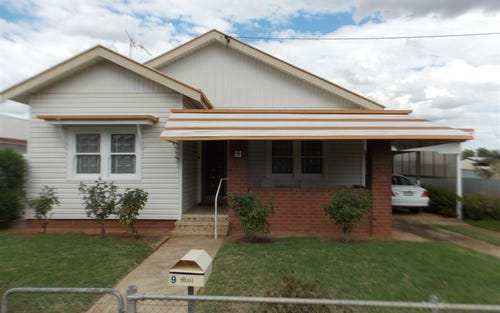 9 Armstrong Street, Parkes NSW 2870