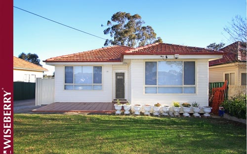 15 Bradbury Ave, Campbelltown NSW 2560