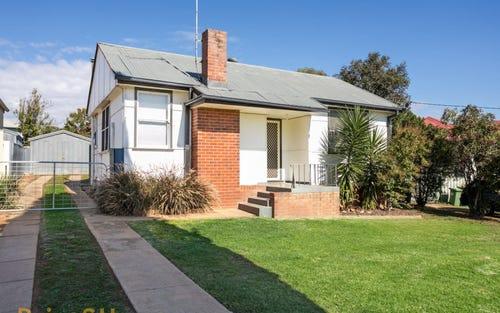 8 Margaret Street, Mount Austin NSW 2650