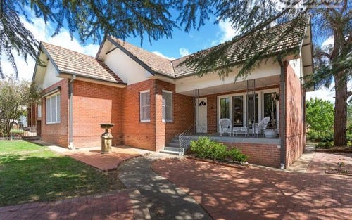 42 Mitchelmore Street, Turvey Park NSW 2650
