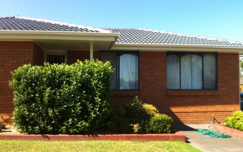8 McIntosh Street,, The Oaks NSW