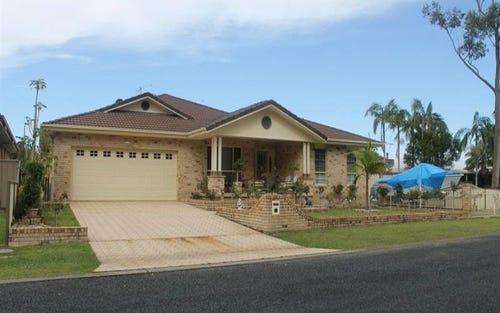 44 Park Ave, Yamba NSW 2464