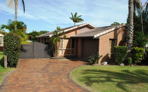 18 Constable Place, Tuncurry NSW