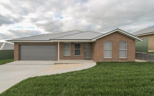 Dwelling 1/11 Barr Street, Bathurst NSW 2795